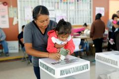 Mexican president's party looks set to win two state governor ra